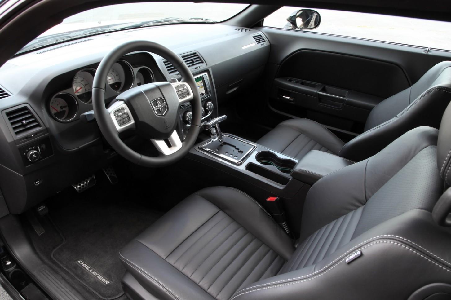 Dodge Challenger interieur