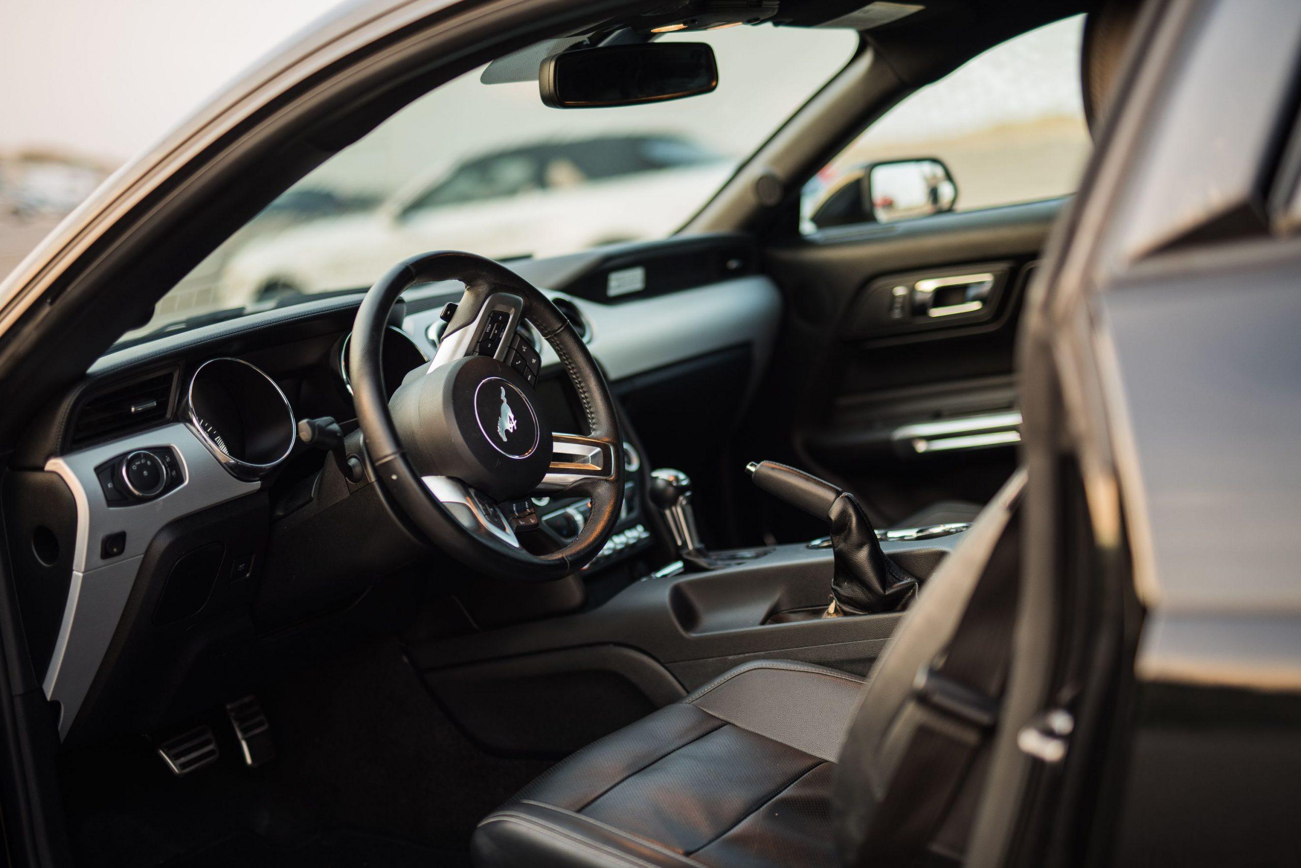 Ford Mustang GT trouwauto huren 7