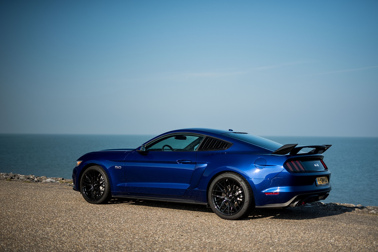 Ford Mustang GT impact blue