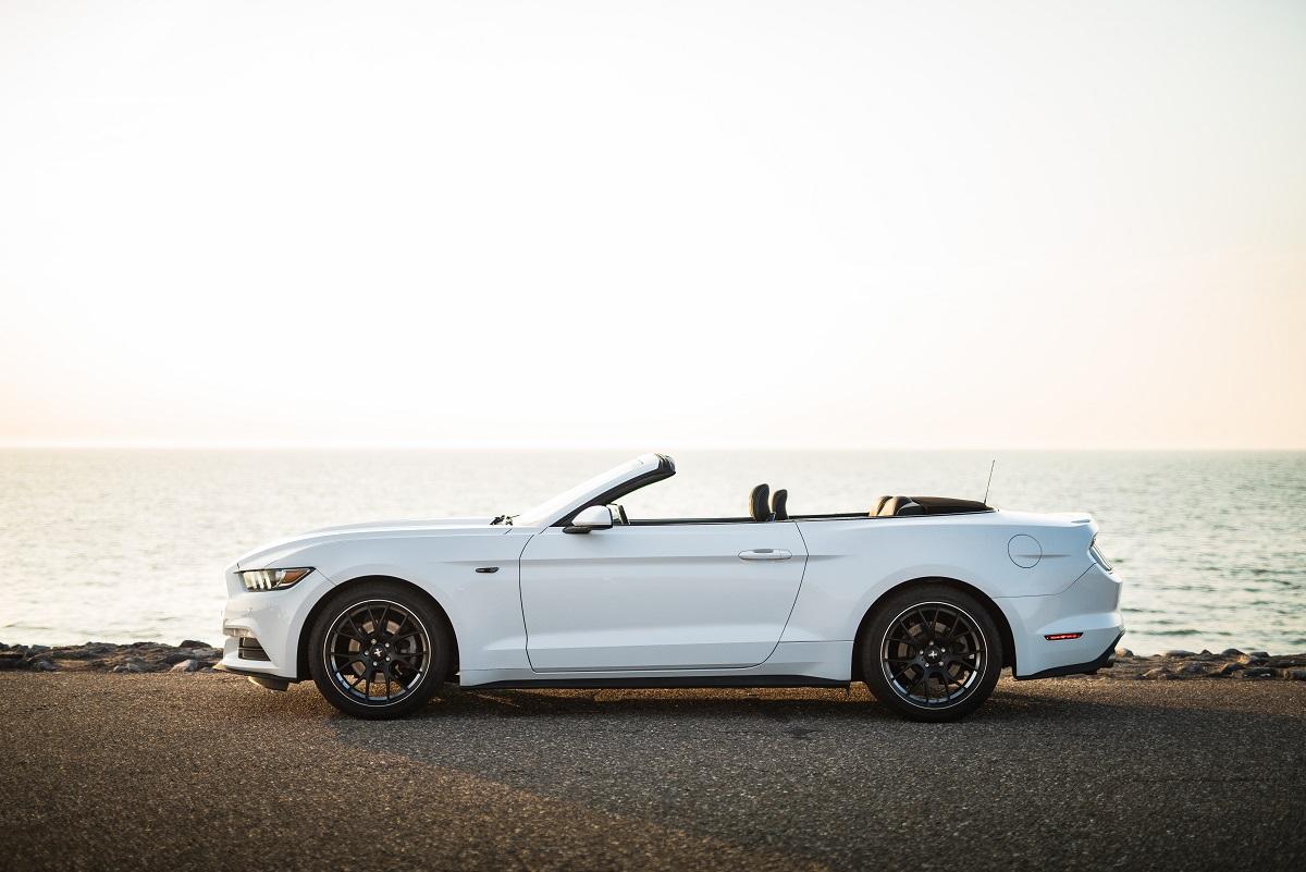 Ford Mustang Cabrio trouwauto huren